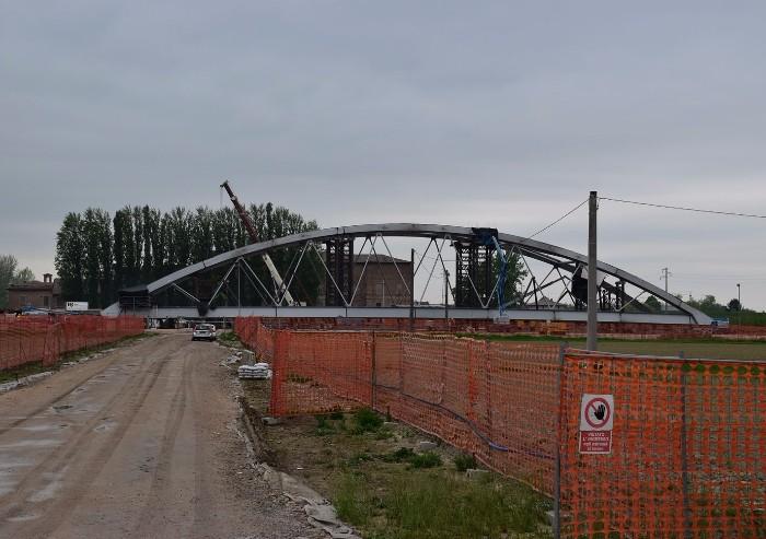 Bomporto, il ponte Aec prende forma