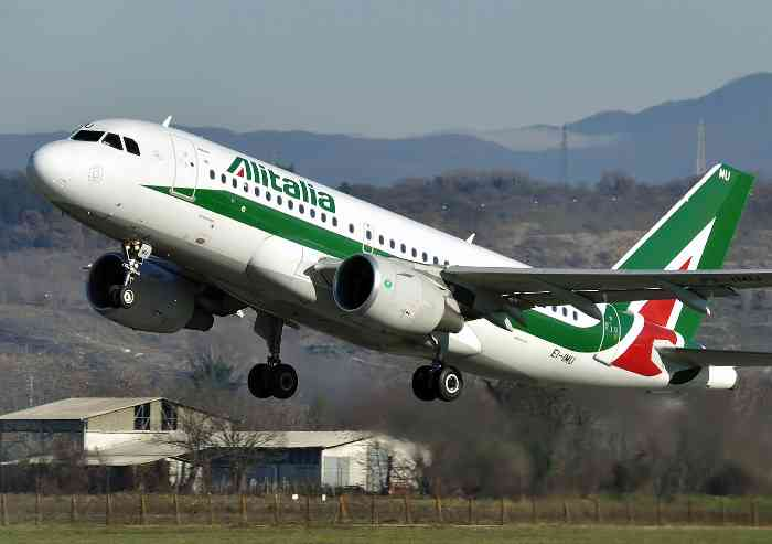 Alitalia, di bandiera è rimasta soltanto l'illusione