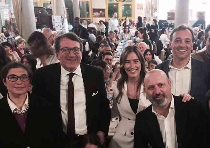 Tutti con Renzi, ma in Emilia l'affluenza è flop
