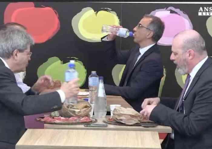 Aurighi-Bonaccini: mangiando in Autogrill col premier
