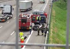 Schianto tra camion e auto in A1: due morti