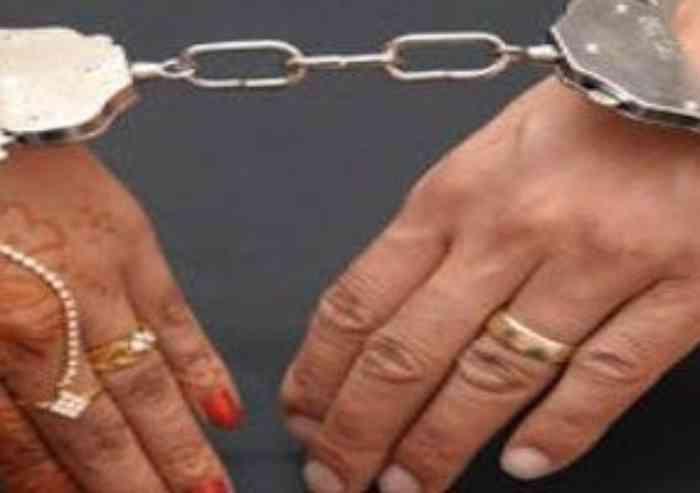 Favorivano l'immigrazione clandestina con la complicità di un agente: arrestati
