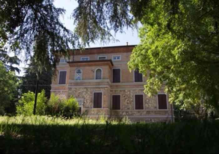 Vignola, villa Trenti riapre le porte