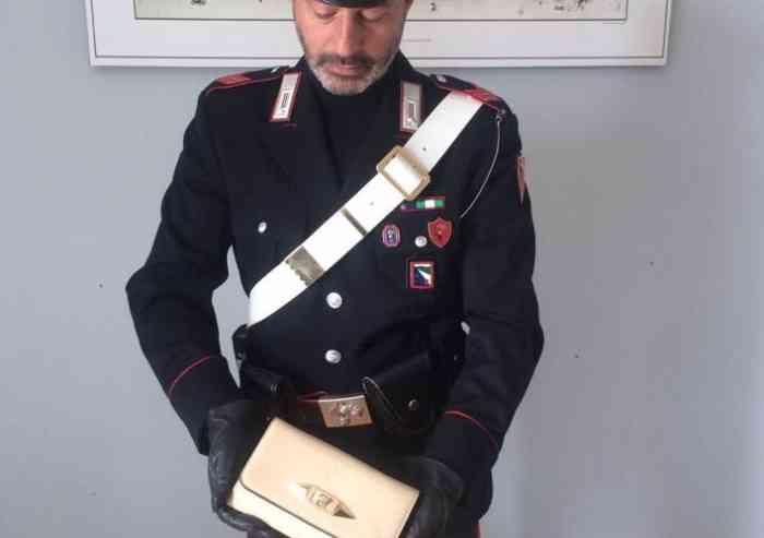 Picchiava la moglie incinta davanti al figlio di 3 anni perché la pasta era scotta, bloccato dai Carabinieri