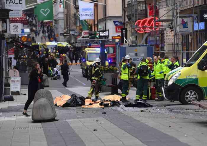 Festeggiava la strage di Stoccolma, espulso