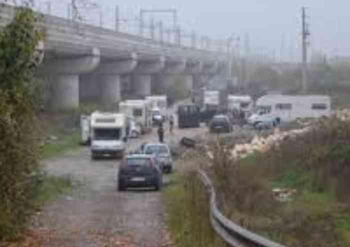 FAVRIA - Esplode il bancomat: i carabinieri arrestano la