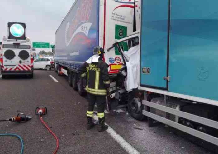 Incidente mortale tra allacciamento A1 e A22