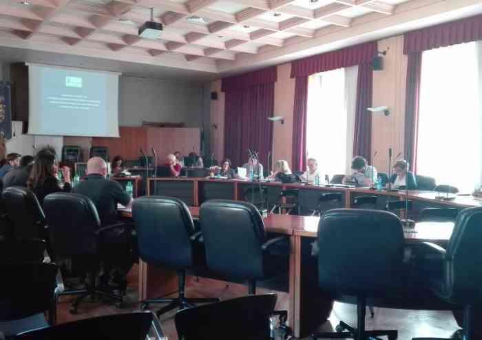La Provincia è senza soldi, ma ai dirigenti stipendi e premi per 772.000 euro