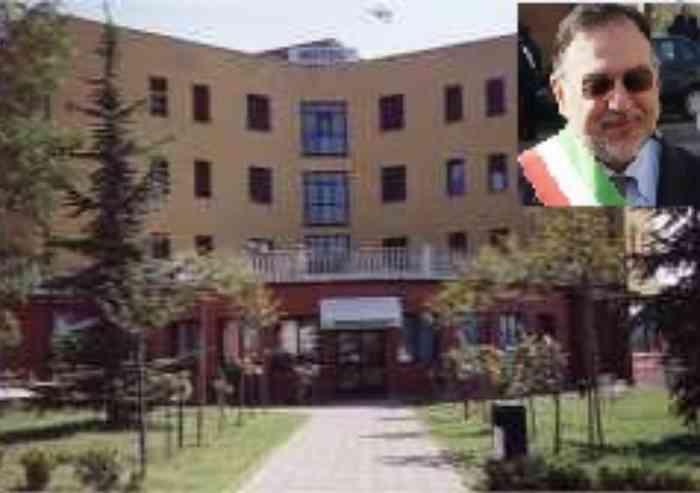 A Polinago 30 nuovi richiedenti asilo spuntano nella notte in albergo requisito: il Sindaco avvertito solo 10 minuti prima