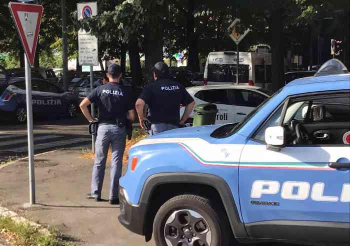 Retata della Polizia in viale Gramsci e Parco XX aprile: a decine in Questura