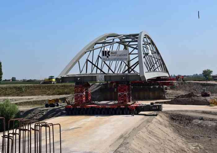 Il ponte avanza