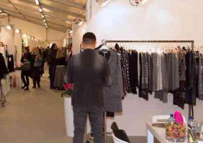 Commercio stabile a Modena, riprende di poco la spesa per l'abbigliamento