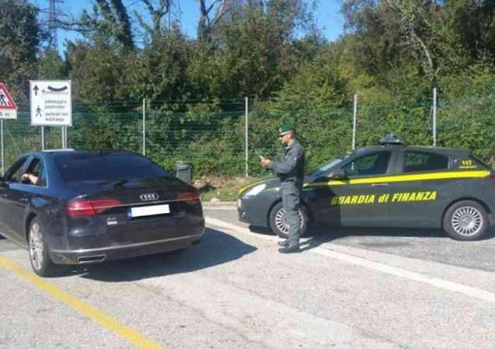 Famiglia Rom evade le tasse per 50 milioni di euro: ufficialmente nullatenenti