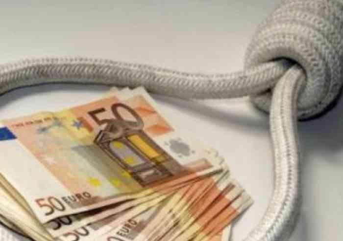 Il suicidio dell'imprenditore e i criminali della finanza