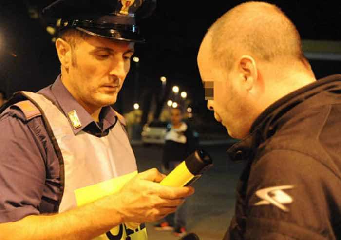 Sicurezza stradale: recidivo il 10% dopo la sospensione della patente per guida in stato di ebbrezza