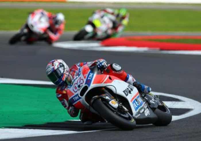 Motogp: a Silverstone vince la Ducati di Dovizioso, terzo Rossi
