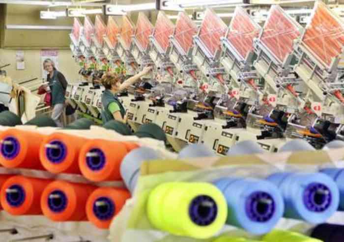 Istat, industria produzione luglio +4,4% anno