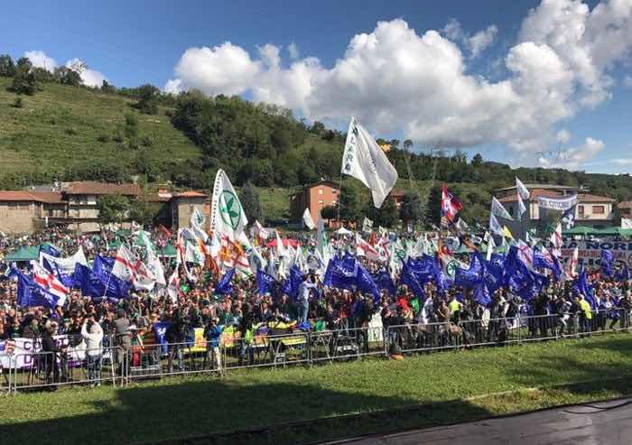 In 50mila al raduno della Lega a Pontida, Salvini: andiamo a governare