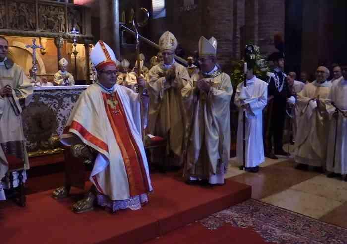 Don Morandi è diventato vescovo: cerimonia in Duomo