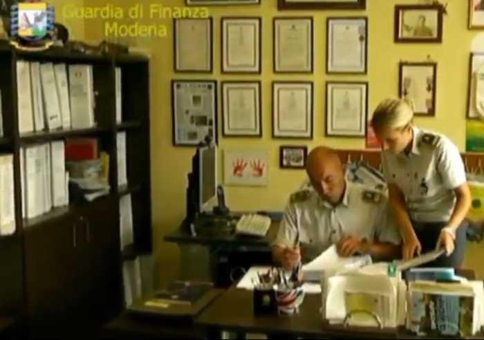 Truffa da oltre 5 milioni di euro: arrestato promoter finanziario modenese