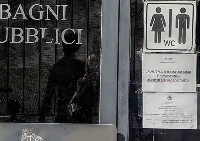 In bagno a Modena? Solo a certi orari