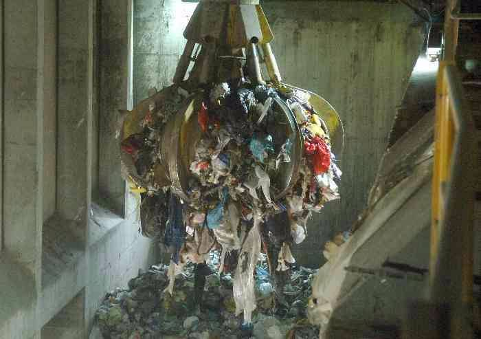 'Giornata contro l'incenerimento dei rifiuti, a Modena si celebra l'assurdo'