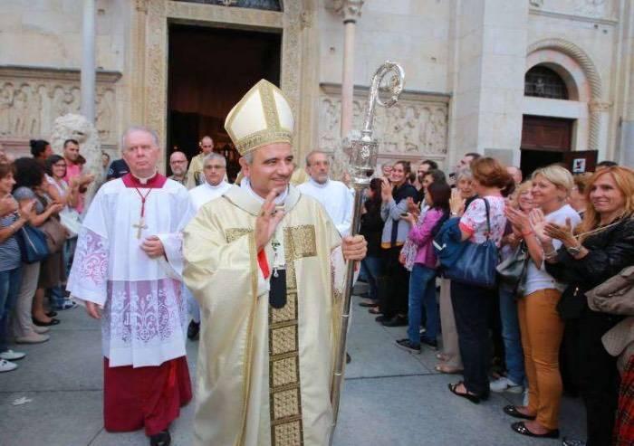 Fake news su migranti, vescovo di Modena querela