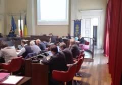 Ambiente in Consiglio comunale, la tragicommedia Pd e l'assenza M5S