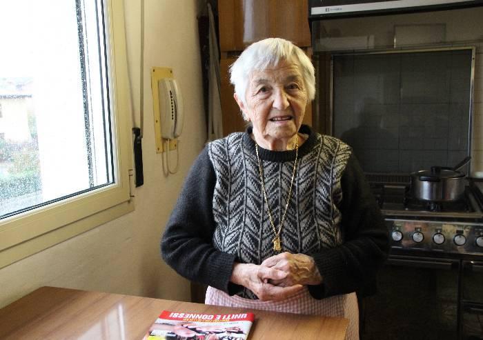 Truffa 500 euro a un'anziana 94enne con un pacco di ciarpame