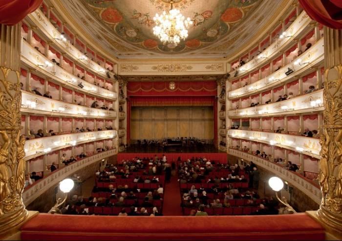 Tragedia al Teatro comunale di Modena: morto uno spettatore