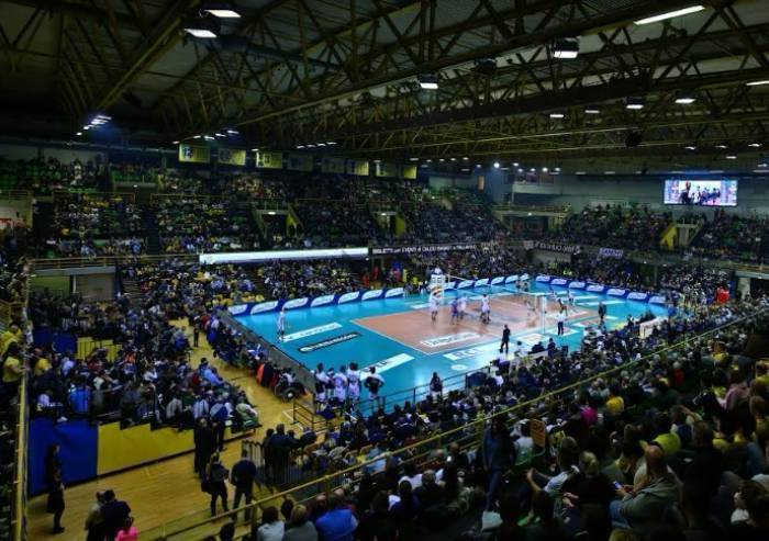 Sport azimut modena volley sconfitta for Casa modena volley