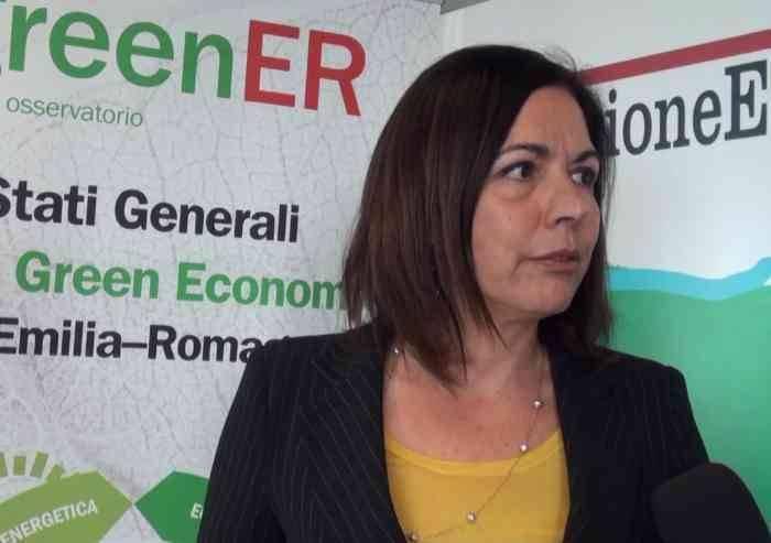 'Smaltire i rifiuti in E-R costa 117 euro a tonnellata'
