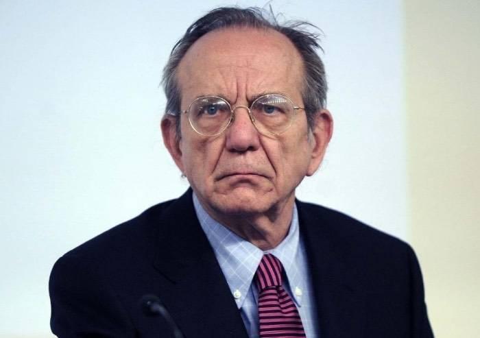 Padoan: 'M5S? Un pericolo per la stabilità del Paese per incompetenza'