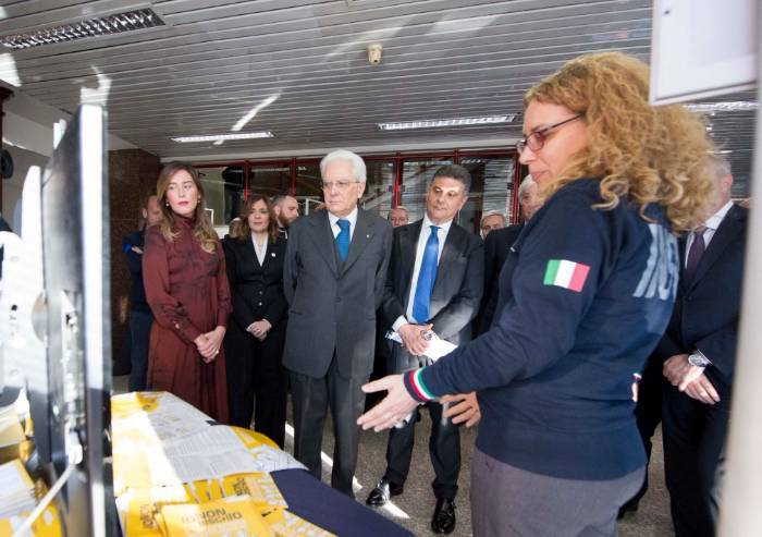 'Mattarella all'Ingv: i sottosegretari Pd hanno macchiato la visita'