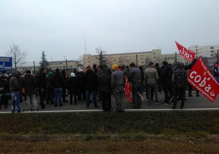 Guernica protesta davanti al carcere per scarcerazione dei picchiatori