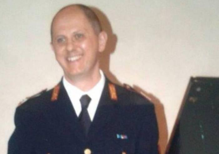 Mirandola, il saluto della Polizia di Stato all'ispettore in pensione