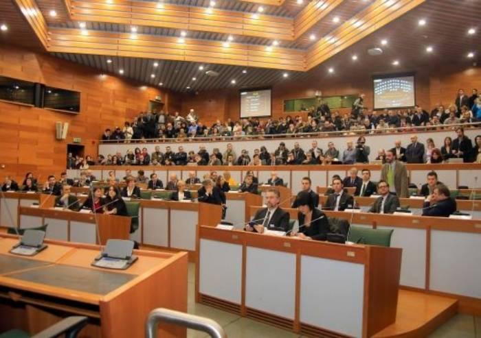 Compensi e redditi: ecco quanto guadagnano i politici in Regione