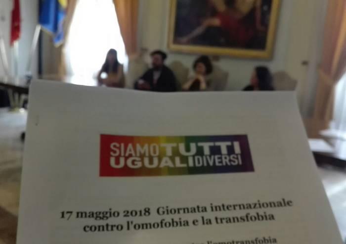 I colori dell'universo Lesbiche, Gay, Bisex e Trans contro l'omofobia