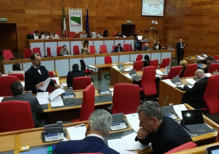 Ufficio Di Presidenza : Lapressa.it politica ufficio di presidenza i cinque stelle