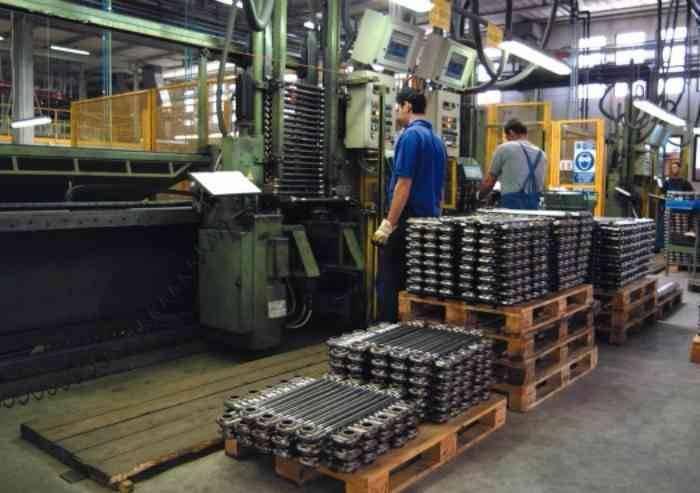 Modena, export stabile, ma i piccoli soffrono