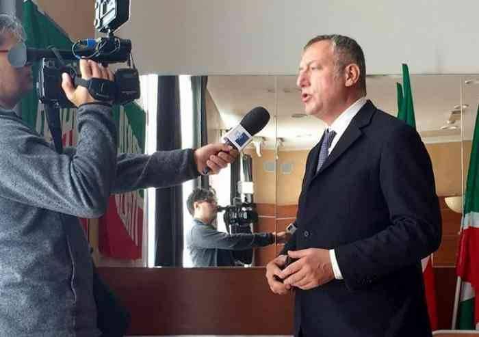 'Linguaggio di genere, il Comune di Modena cancelli questa assurdità'
