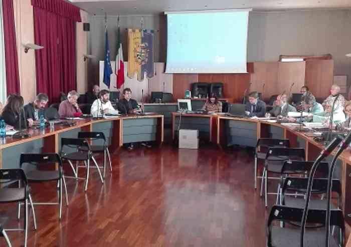'San Filippo Neri, basta silenzi, Muzzarelli chiarisca in consiglio'