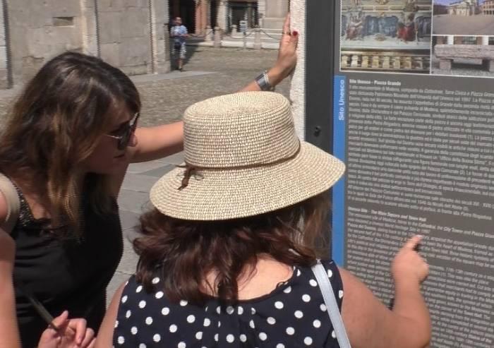 Turisti ad ammirare il sito Unesco, il 43% è straniero