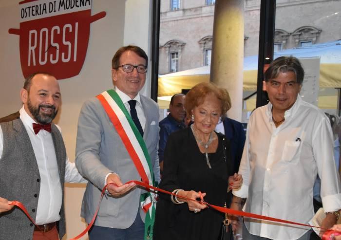 Mauro Rossi fa en plein: tre locali e un intero angolo di piazza Roma