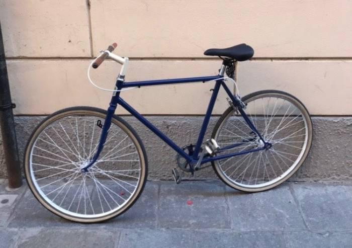 Odissea per recuperare la bici rubata e la 'non competenza' dei vigili