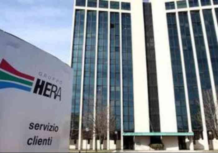 Modena Volta Pagina choc: 'Hera aumenta i ricavi e la gente si ammala'