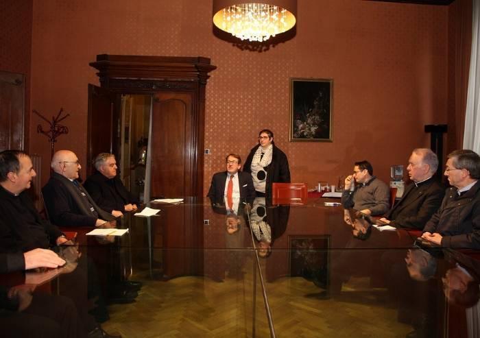 Per attaccare Salvini Muzzarelli strumentalizza anche i preti modenesi