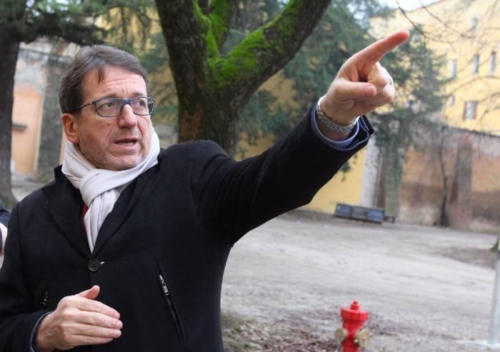Muzzarelli, passerella in viale Gramsci: cicerone il consigliere PD
