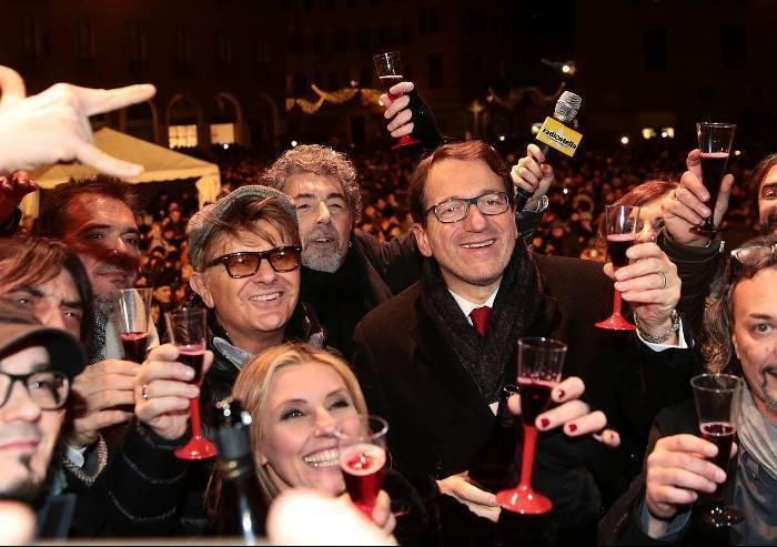Capodanno in piazza, a sorpresa il Comune cerca, trova e paga la diretta a TRC