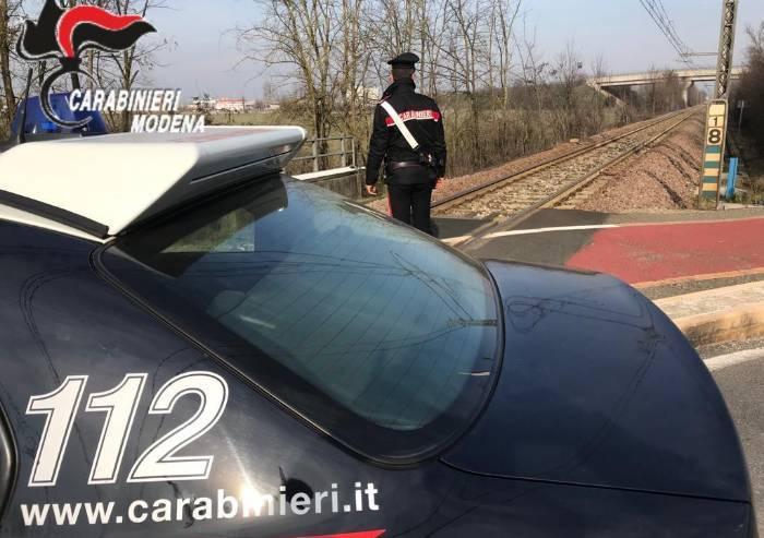 Carpi, carabiniere fuori servizio salva una donna dal suicidio
